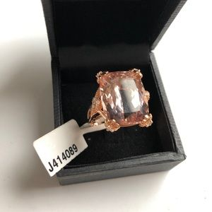 Jewelry - 14K rose gold 19.11 ctw cushion morganite ring